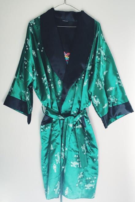 vintage silk kimono retro fashion kitschy